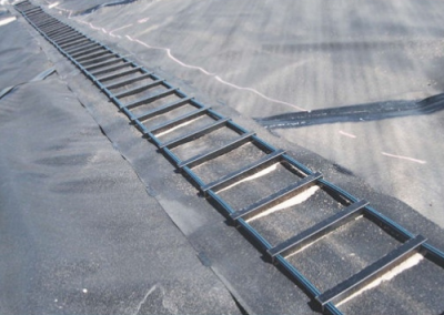 Safety Ladder for Dam Liners